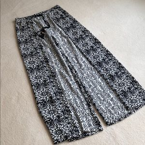 Chico's black and white palazzo pants.